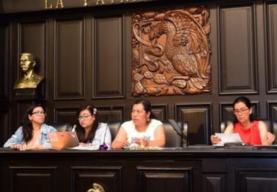 Parlamento de Mujeres aprueba iniciativa que permitiría a menores decidir su identidad de género