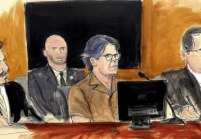 Keith Raniere es acusado de explotar sexualmente a tres mexicanas