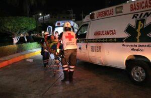 Más de 200 jóvenes se intoxican por comer chilaquiles y carne de cerdo en Cancún