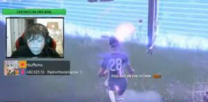 Niño juega Fortnite 10 horas diarias pagar el tratamiento contra el cáncer de su papá