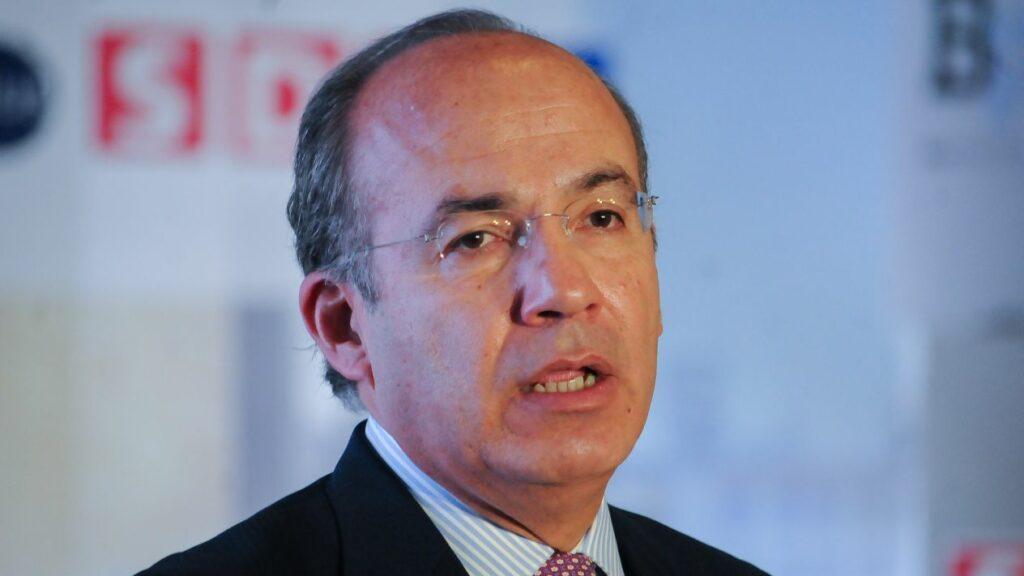 """""""He pagado mis impuestos puntualmente desde los 16 años"""", le responde Calderón a AMLO"""