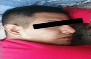 Ladrón se dispara por accidente tras asaltar a una mujer en Neza