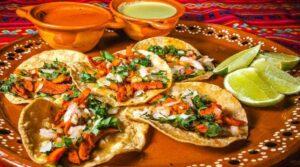 Los tacos al pastor obtienen el título al mejor platillo culinario del mundo, según ranking