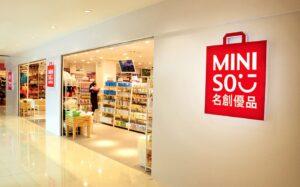 Carlos Slim será dueño de una tercera parte de la marca japonesa Miniso