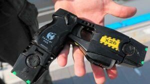 Armas de electrochoques podrían ser legalizadas en la CDMX para que mujeres puedan defenderse