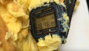 """Un reloj Casio a prueba de todo: sigue funcionando tras ser """"cocinado"""" y congelado"""
