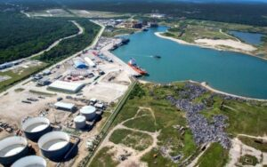 Con condiciones, dan autorización ambiental a la Refinería de Dos Bocas