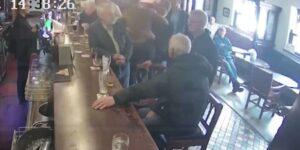 Conor McGregor golpea a un anciano en un bar porque le rechazó un whisky