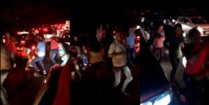"""Automovilistas atrapados en el tráfico se bajan a bailar """"La Chona"""""""