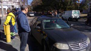 Vendedor ambulante agrede a conductora por no comprarle dulces