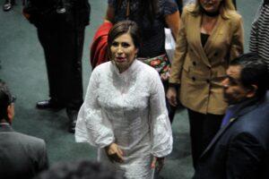 """""""Vengo a dar la cara"""", dice Rosario Robles al llegar al Reclusorio Sur para su audiencia"""