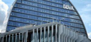 BBVA, el primer banco en el mundo que elimina operaciones en efectivo
