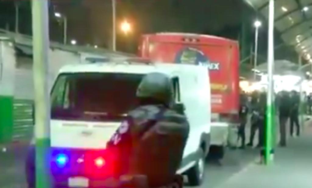 Matan a pasajero en camión de paradero de Indios Verdes