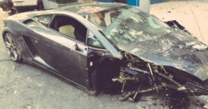 Conductor abandona un Lamborghini tras choque en la colonia Roma Sur