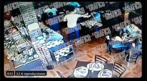 Matan a hombre mientras comía en un restaurante en Iztapalapa