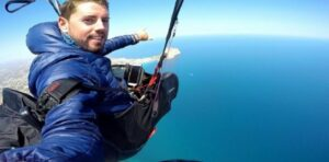 Joven fallece al querer grabar para Youtube un salto en paracaídas