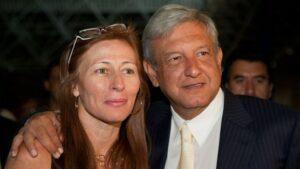 Tatiana Clouthier desmiente que se pida recitar poema a AMLO en escuelas