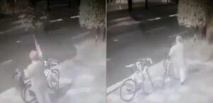 Sujeto rompe un árbol para robar dos bicicletas que estaban amarradas