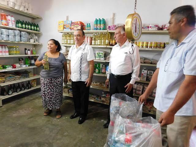 Abren en Monterrey la primera tienda en la que se puede pagar con basura