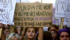 Condenan a prisión a tres hombres por burlarse de feministas en una marcha en España