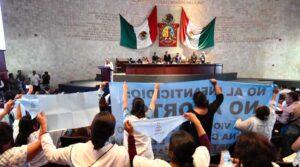 Religiosos protestan por discusión para despenalizar el aborto en Oaxaca