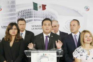 PAN propone desaparecer poderes en Veracruz y destituir al gobernador
