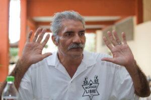 """José Manuel Mireles llama """"pirujas"""" a derechohabientes que pagan cuotas bajas en el ISSSTE"""