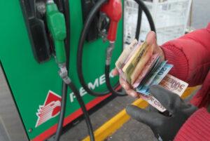 Sener revira a AMLO: sí habrá aumento al precio de las gasolinas en México