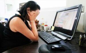 Dos mujeres denuncian a su exjefe por pedirles que le enviaran fotos inapropiadas