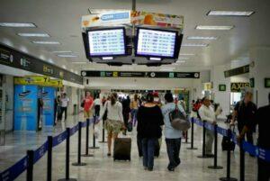 Buscan aumentar 91% al impuesto que pagan pasajeros de vuelos internacionales