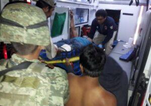 Pobladores agreden a militares en San Juan del Río, Querétaro, por tratar de saquear un tren