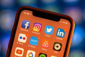Gobierno contempla impuestos a plataformas digitales en Paquete Económico 2020