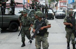 Militares responderán a agresiones de civiles en legítima defensa, advierte Sedena