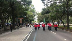 Estudiantes de Edomex marchan para agradecerle a AMLO las becas que recibieron