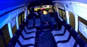 Sujeto asalta al único pasajero a bordo de una combi en Edomex