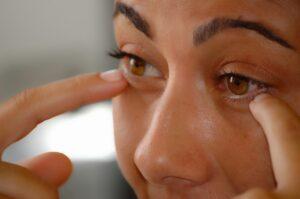 El estrés provoca que te palpite tu ojo de forma incontrolable