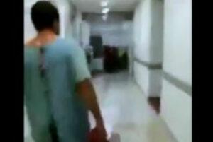 Con bata y suero, paciente abandona hospital en Chiapas por presunta falta de atención