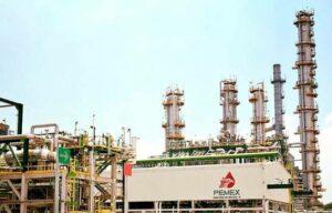 AMLO asegura que ataques en Medio Oriente no afectarán el precio de gasolinas en México