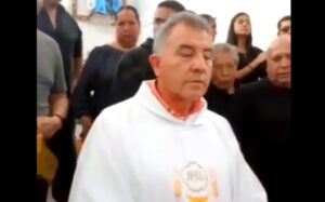 "Sacerdote en Hidalgo se niega a dar bendición a difunto por estar ""corrompido"""