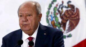Romero Deschamps renuncia como líder del sindicato petrolero