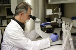 Vacuna contra el cáncer de mama y ovarios podría estar disponible en tres años