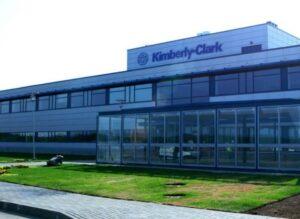 Kimberly-Clark aclara que sí invertirá en México tras declaraciones de su director