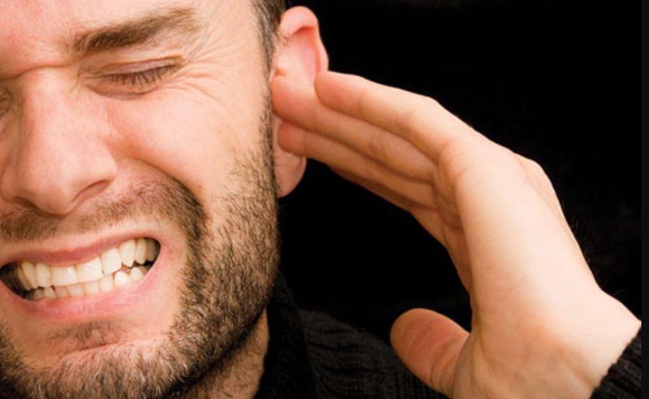 Un joven descubre que tenía una araña en su oído tras sufrir vértigo y dolor