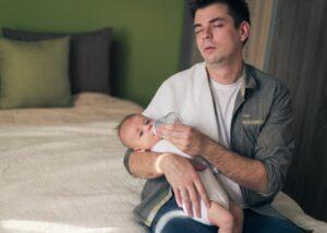 Los padres pierden hasta 700 horas de sueño en los primeros años de vida de sus hijos
