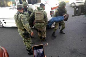 Asaltantes matan a pasajero en Ecatepec
