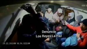 Ladrones asaltan combi en Edomex y pasajeros ya ni se sorprenden