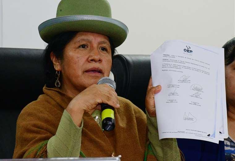 Arrestan a presidenta del Tribunal Electoral de Bolivia por irregularidades en elecciones