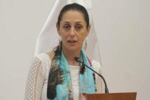 """Sheinbaum compara a Evo Morales con Angela Merkel y reclama que lo tachen de """"dictador"""""""