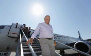Durante vuelo, piloto pide a AMLO reconsiderar construcción del aeropuerto en Texcoco