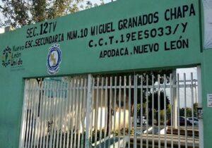 Secundaria de Nuevo León expulsa a alumno por vivir con su tío homosexual